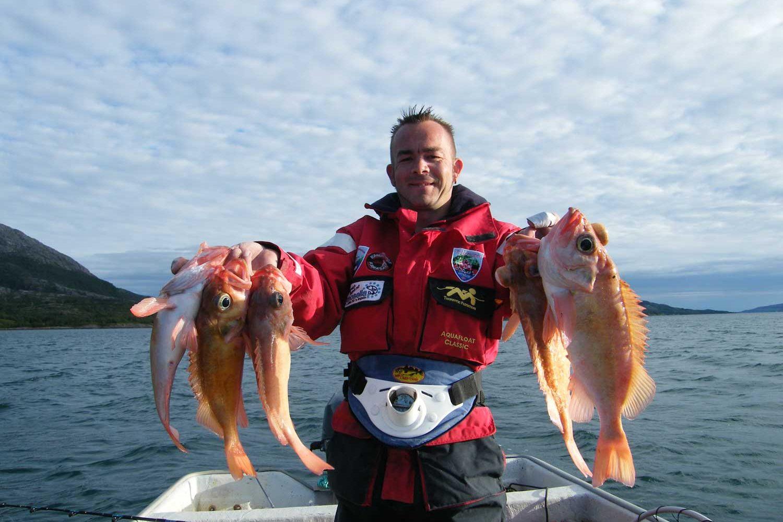Fisker Med Uer